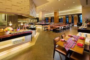 Hilton Sanya Yalong Bay Resort & Spa, Resorts  Sanya - big - 49