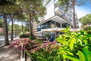 Renzo Hotel - AbcAlberghi.com