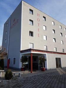 Auwald Hotel - Ebenhausen Werk