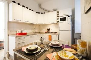 Wanderlust, Apartments  Rome - big - 14