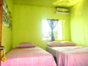 Triple Room with Private Bathroom El Jaguar
