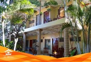 Hotel y Apartments Los Cisneros