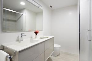 Miraconcha Terrace Apartment by FeelFree Rentals, Appartamenti  San Sebastián - big - 14