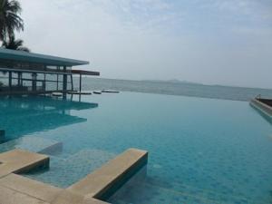 Ananya Beachfront Luxury Apartment - Ban Bang Kalo