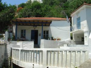 KARMI Apartments Andros Greece