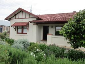 Mataro Cottage