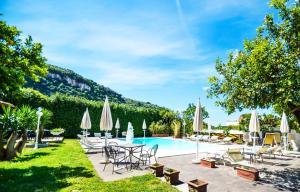 Villa Limoneto E - AbcAlberghi.com