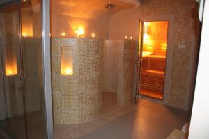 Paria Hotel