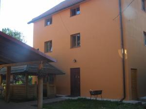 Guest House Mandrivnyi - Yasinya