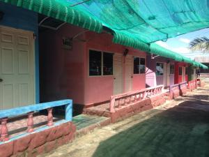 Baanpak Pha Taem Resort and Krua Je Mon - Ban Khan Lum