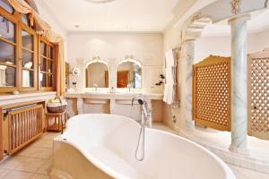 Relais & Chateaux Spa-Hotel Jagdhof (25 of 166)