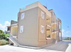 Residence Castelhouse - AbcAlberghi.com