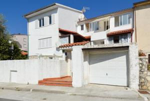 Two-Bedroom Apartment Pula near Sea 1 - Veruda