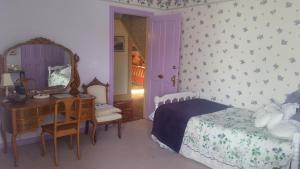 Berthoud Inn & Events, Bed & Breakfast  Berthoud - big - 102