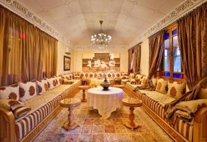 Palais Amador, Гостевые дома  Oulad Mazoug - big - 41