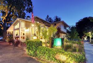Saratoga Oaks Lodge - Hotel - Saratoga