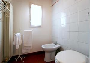 Santo Spirito Apartment, Apartmány  Florencia - big - 21