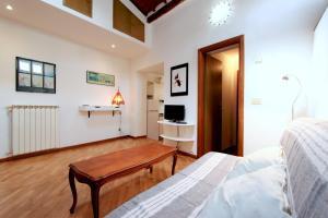 Santo Spirito Apartment, Apartmány  Florencia - big - 7