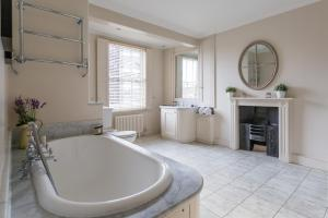 onefinestay - South Kensington private homes III, Апартаменты  Лондон - big - 42