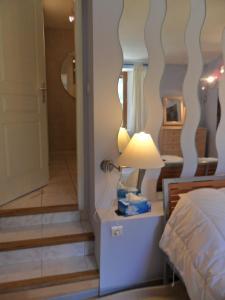 Gîte l'Ecluse au Soleil, Holiday homes  Sougraigne - big - 8