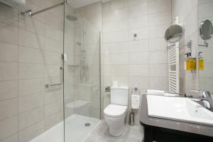 Legazpi Doce Rooms & Suites (27 of 35)