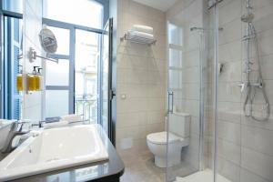Legazpi Doce Rooms & Suites (26 of 35)