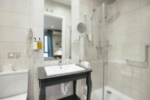 Legazpi Doce Rooms & Suites (23 of 35)