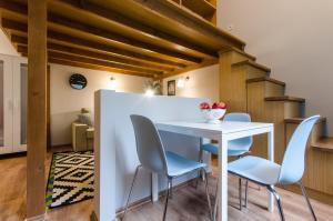 Sesame Light & Wide Apartments