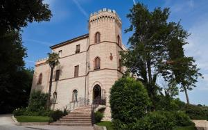 Castello Montegiove - AbcAlberghi.com
