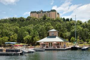 Chateau on the Lake Resort Spa..