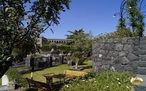 Borgo Ilice - AbcAlberghi.com