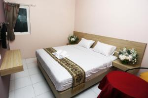 C.Stone Hotel, Отели  Сурабая - big - 16