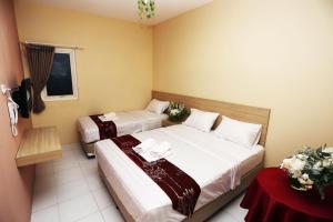 C.Stone Hotel, Отели  Сурабая - big - 14