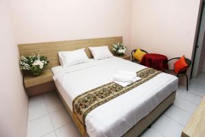 C.Stone Hotel, Отели  Сурабая - big - 8