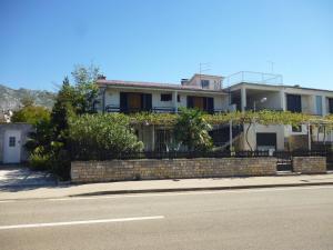 Apartment Ika, Apartments  Starigrad-Paklenica - big - 18