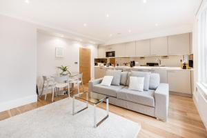 Soho Piccadilly Circus Apartment - London