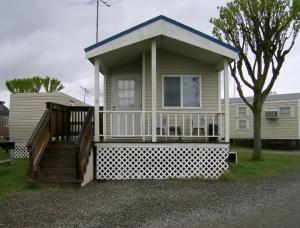 Lake Minden Camping Resort Cabin 2 - Yuba City