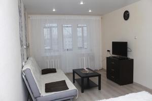 Apartment on Eleny Kolesovoy 4 - Dzerzhinskiy