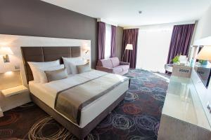 Aura Hotel Adults Only, Hotely  Balatonfüred - big - 49
