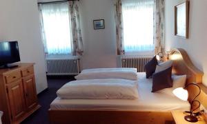 Hotel Pension Lindenhof, Guest houses  Prien am Chiemsee - big - 17