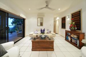 Paddons, Holiday homes  Airlie Beach - big - 5