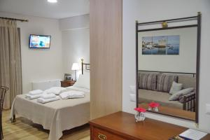 Studio Apartment with Sea View Treanto Nafpaktos Boutique Hotel