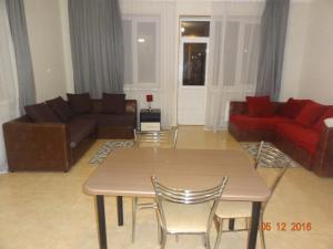 Apartment at Voznesenskaya 4 - Kukerdu