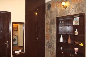 Center Apartment Nalbandyan, Appartamenti  Erevan - big - 22