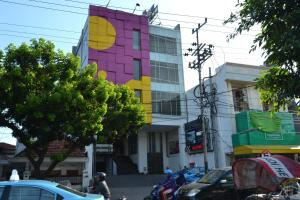 ZEN Rooms Basic Kedung Sari Wonorejo, Отели  Сурабая - big - 19