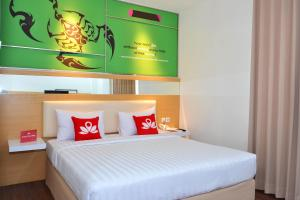 ZEN Rooms Basic Kedung Sari Wonorejo, Отели  Сурабая - big - 4