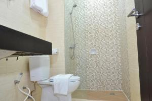 ZEN Rooms Basic Kedung Sari Wonorejo, Отели  Сурабая - big - 6