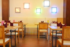 ZEN Rooms Basic Kedung Sari Wonorejo, Отели  Сурабая - big - 14
