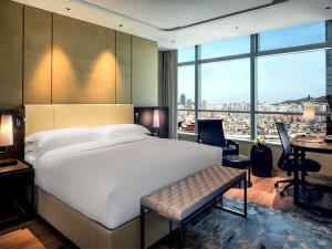 Hilton Jinan South Hotel & Residences, Hotely  Ťi-nan - big - 12