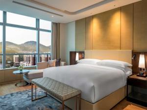 Hilton Jinan South Hotel & Residences, Hotely  Ťi-nan - big - 5